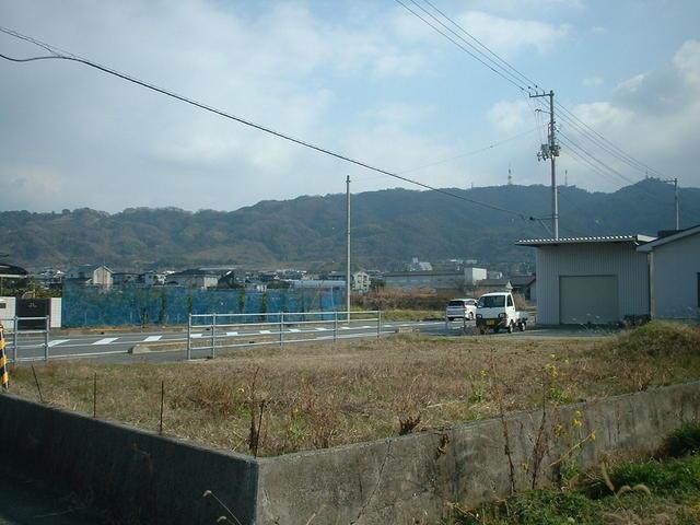伊予市上野